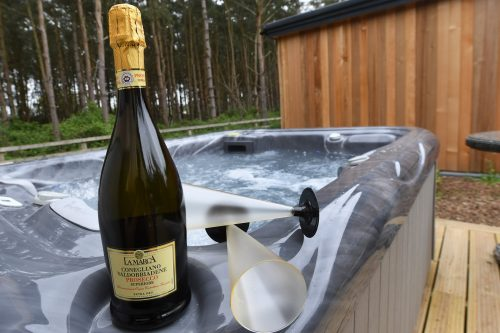 Panshill Accommodation Luxury lodges with hot tubs oxfordshire