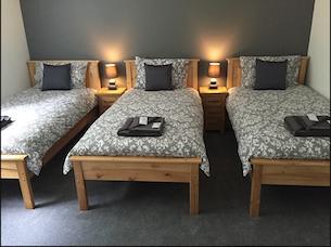 Five bedroom bungalow TRIPLE ROOM. x 3 Single Beds